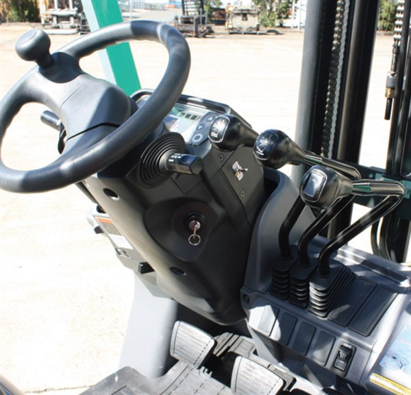 Fork Lift Lever Functions : Forklift mitsubishi grendia review