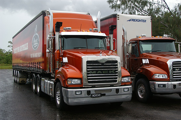 Mack -Trident ,-m Drive ,-truck ,-review ,-ATN4