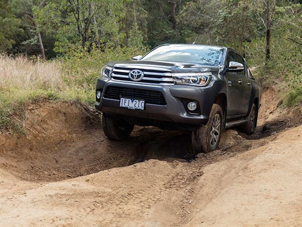 Head -to -head ,-Holden -Colorado -Z71-vs -Toyota -Hilux -SR5,-Review ,-Matt -Wood ,-ATN3